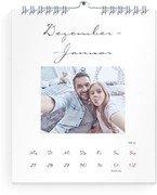 Wochen-Wandkalender Zierschrift - Weiß (140x170 Wochen-Wandkalender Hoch)
