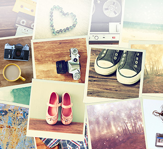 Viele unterschiedliche Polaroids auf Tisch